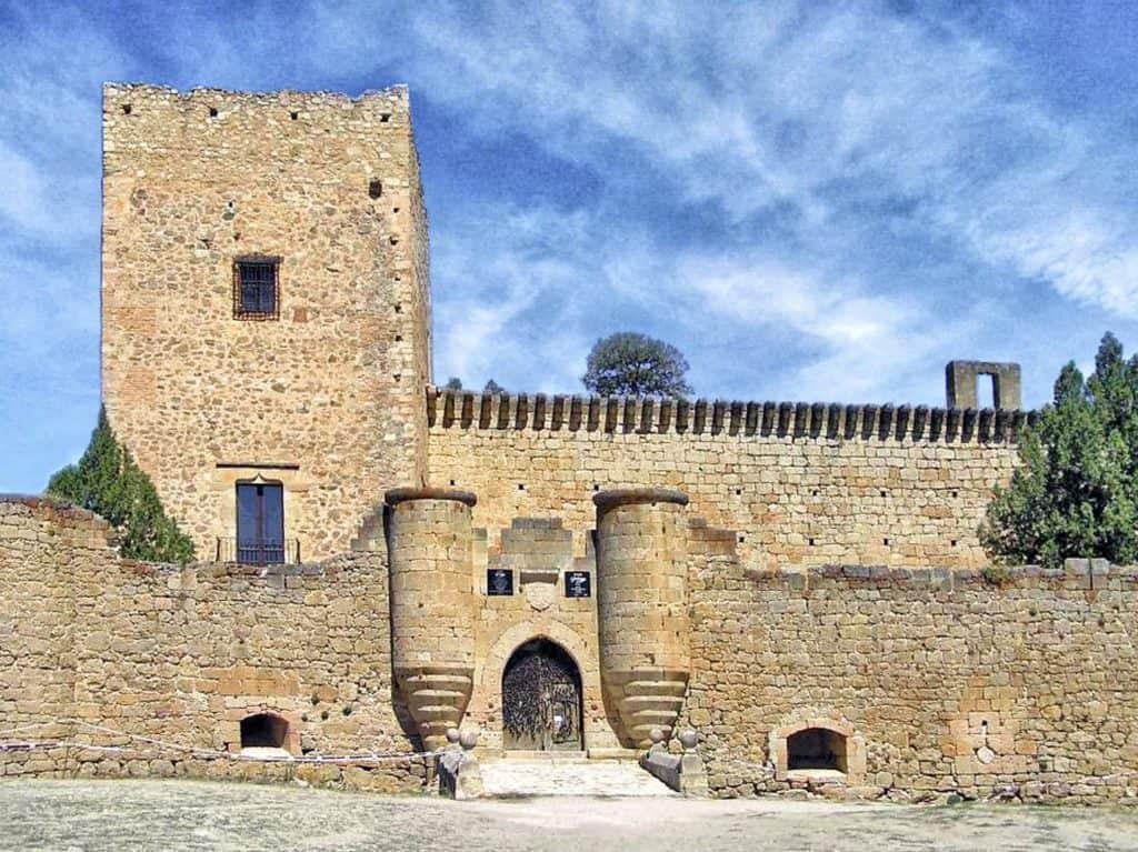 Pedraza es uno de los mejores pueblos de Castilla y León para viajar en pareja